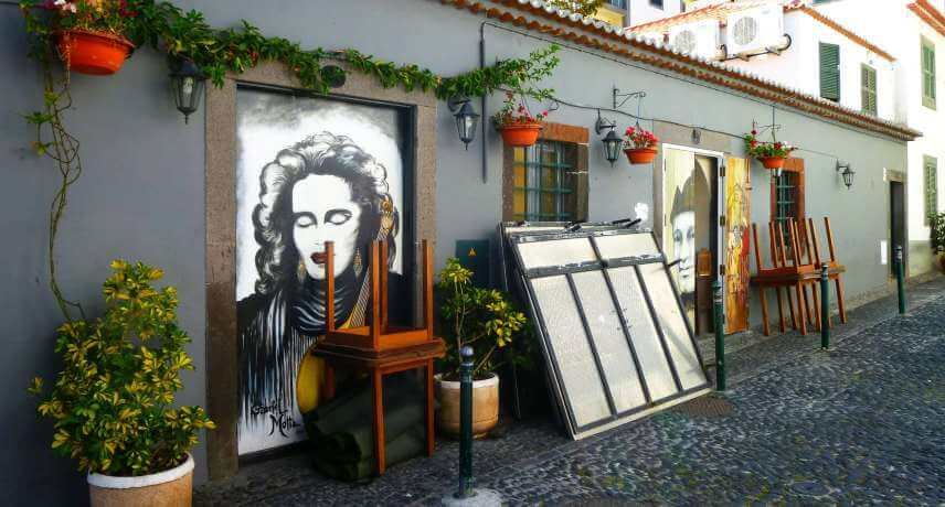 10-Local-Things-to-do-in-Funcal-Old-Town-art
