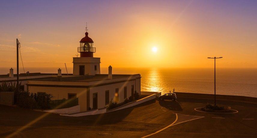 Лучшие места для наблюдения за закатом - маяк Понта-ду-Парго, Кальета