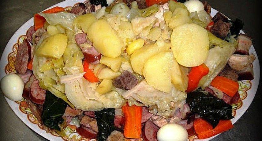 Cozido à Madeirense - 17 plats que vous devez absolument essayer pendant vos vacances sur l'île de Madère
