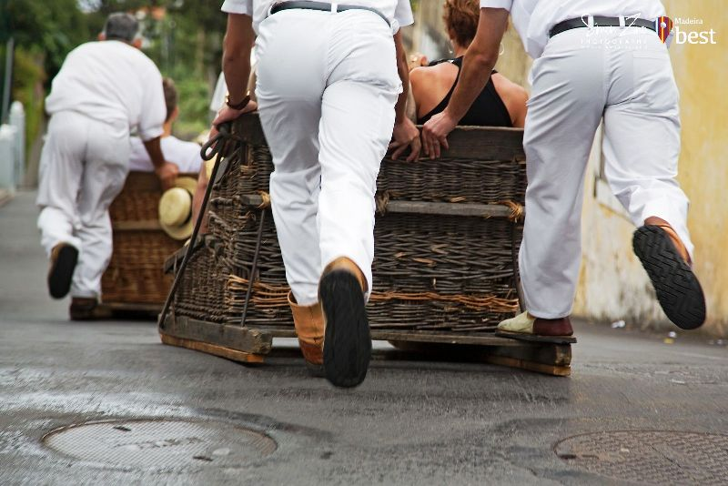 traditional-madeira-wicker-toboggans